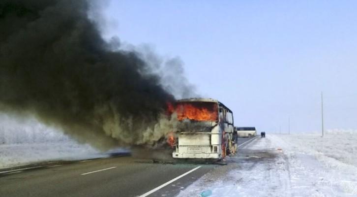 카자흐스탄서 버스 화재…52명 사망