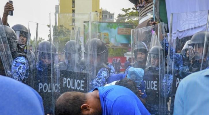 몰디브, 국가비상사태 30일 연장