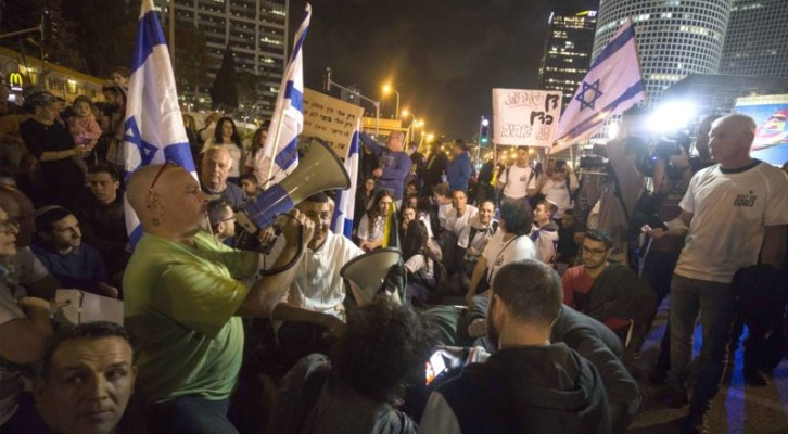 이스라엘 연정 붕괴 위기...네타냐후 총리·국방장관 겸임